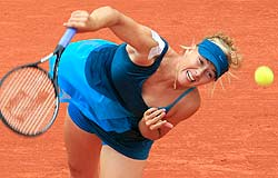 Maria Sharapova is making a comeback at the french open (Bernat Armangue / Associated Press)